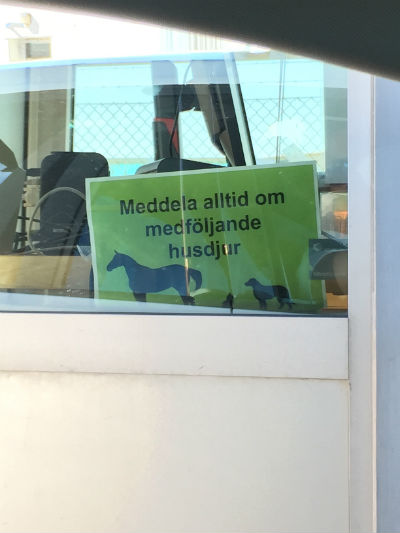 29. Skylt när man checkar in på Gotlandsbåten